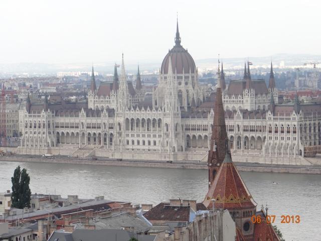 parlamentul-budapesta