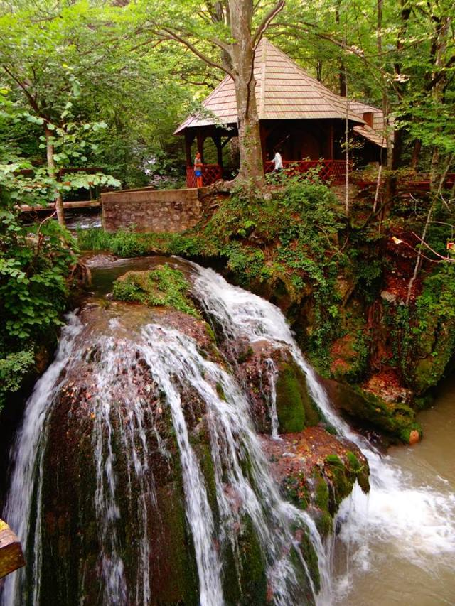 Cascada-Bigar-resita-bigar-waterfall