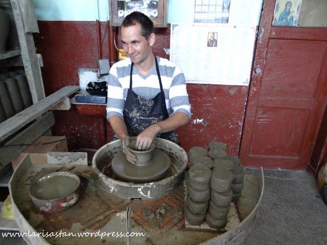 bucovina-ceramica-neagra-marginea