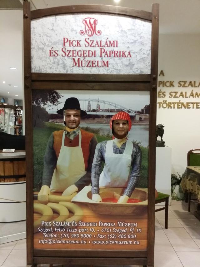 poza-muzeu-salam-pick-szeged