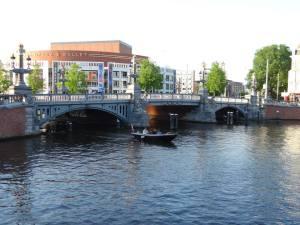 amsterdam-unic-canal