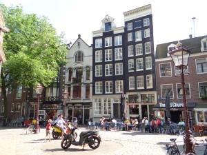 cartier-rosu-amsterdam
