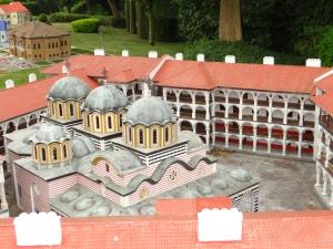 bulgaria-mini-europa-manastire-rila