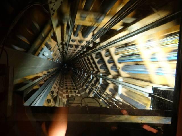 urcare-lift-atomium-panorama-bruxelles